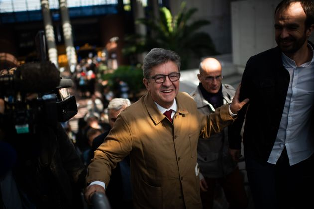 Jean-Luc Mélenchon à la sortie du tribunal de Bobigny vendredi 20