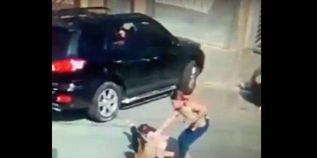 La vidéo d'un vol de voiture partagée sur les réseaux sociaux n'a pas été enregistrée au Maroc selon...