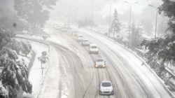 Chutes de neige: la situation s'améliore sur les
