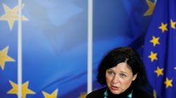 Liste noire: La commissaire européenne Vĕra Jourová salue