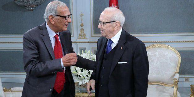 Youssef Seddik fait face à des accusations de mécréance, Essebsi lui apporte son soutien