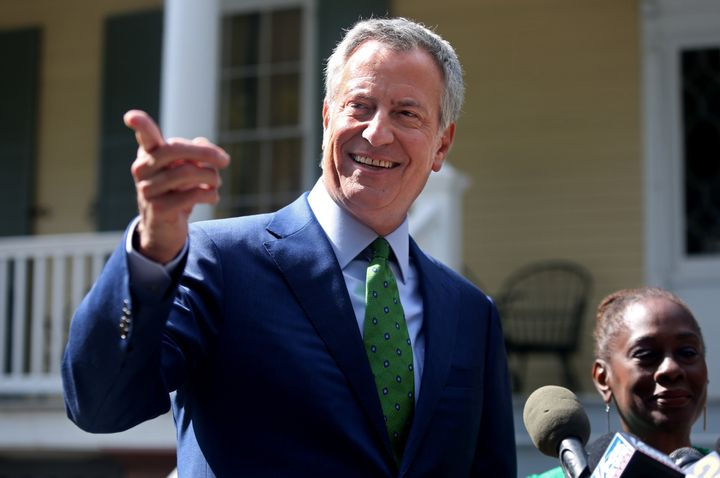 New York Mayor Bill de Blasio, standing alongside his wife Chirlane McCray, announced his decision to drop out of the 2020 pr