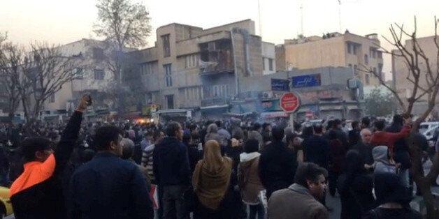 Des manifestants à Téhéran, Iran, 30 décembre