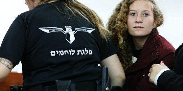 Qui est Ahed Tamimi, l'activiste palestinienne jugée pour avoir giflé des soldats