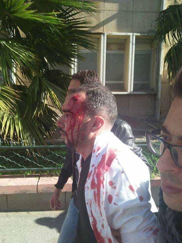 Grève des médecins résidents: la police réprime violemment le rassemblement des grévistes à l'hôpital