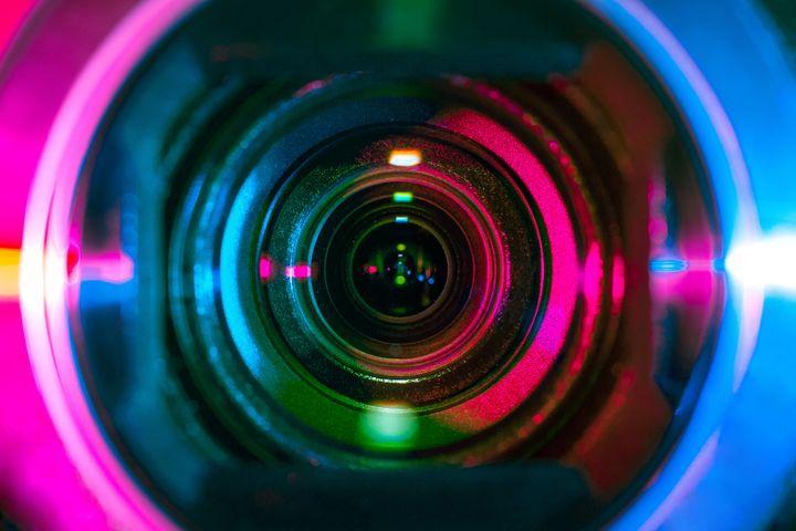 Lente de una cámara de vídeo.