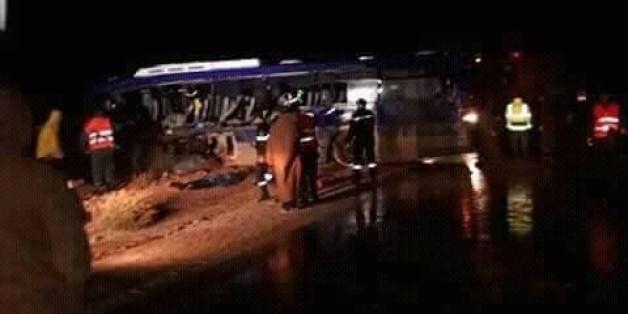 Neuf morts et 21 blessés dans une collision entre un bus et un camion à