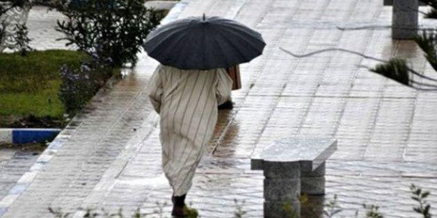 Fortes pluies accompagnées de rafales de vents forts prévues lundi dans plusieurs provinces du