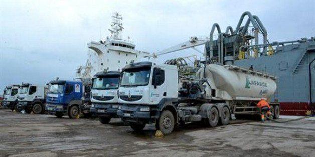 Port d'Arzew: exportation par l'Algérie d'un 1e chargement de ciment gris vers
