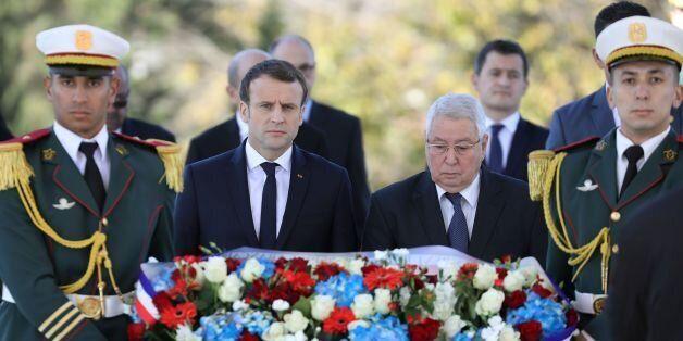 Emmanuel Macron aux côtés d'Abdelkader Bensalah à Alger, le 6 décembre