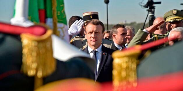 Accueil d'Emmanuel Macron à Alger, le 6 décembre