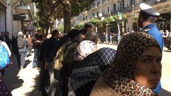 Macron du point de vue de la foule: 400 mètres de déambulation, quelques youyous et une halte inintelligible à l'Emir