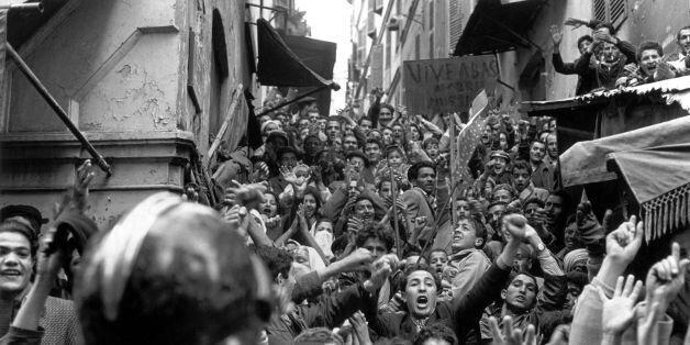 ALGERIA - CIRCA 1960: The War In Algiers, Algeria In 1960 - Riots in Algiers Emeutes. (Photo by Dominique...