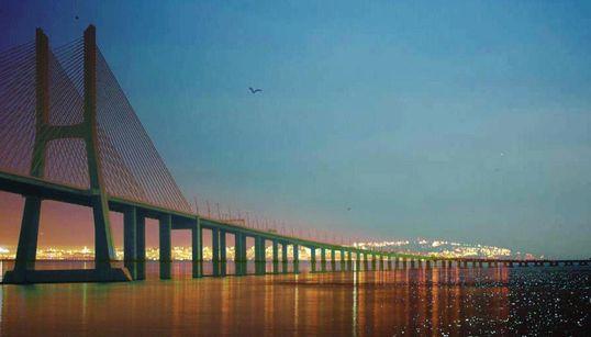 Un pont sur la baie d'Alger pour lier, tisser et faire