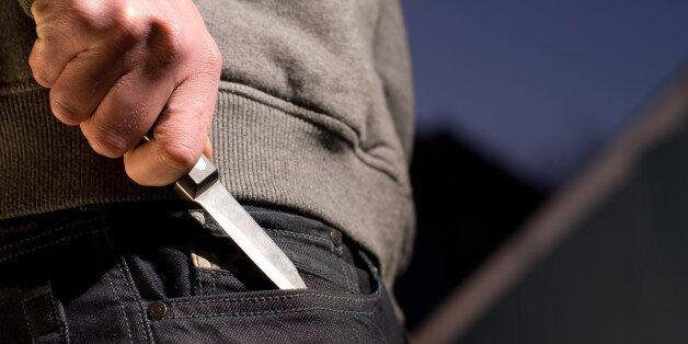 Attaque au couteau à Tunis, deux policiers