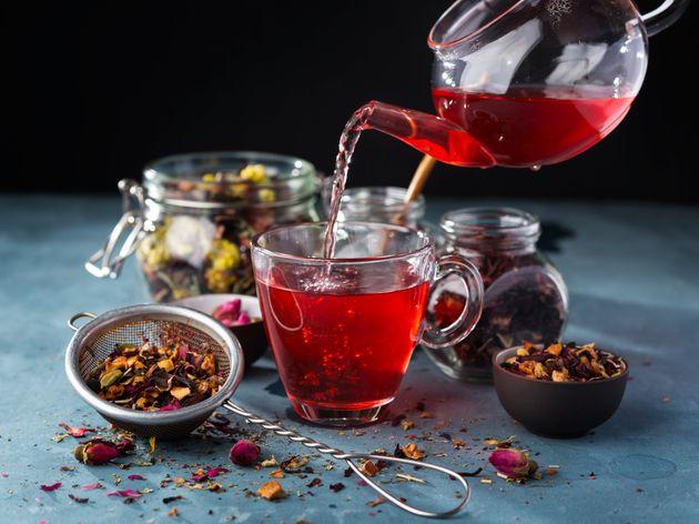 Chá de hibisco com cavalinha realmente