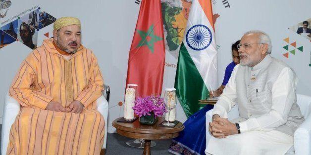 Le roi Mohammed VI et le Premier ministre indien Narendra Modi lors du sommet Inde-Afrique en octobre