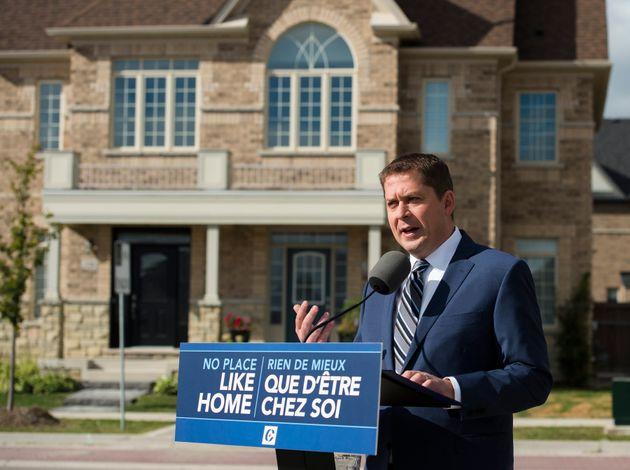 Le chef du Parti conservateur Andrew Scheer effectue un arrêt de campagne à Vaughan, en...