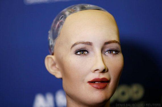 Ce robot terriblement réaliste a gentiment menacé la race