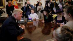 Blague sur le poids des enfants, commentaires sur leurs parents, Trump n'a pas déçu ses visiteurs pour