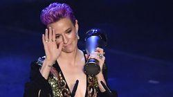 Megan Rapinoe leva prêmio de melhor jogadora da