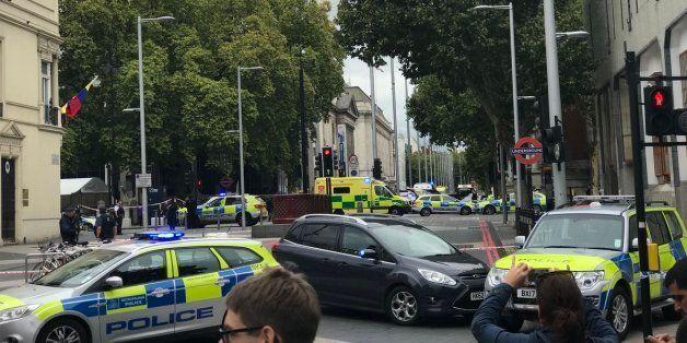 Londres: Une voiture percute des passants près du Natural History Museum, plusieurs