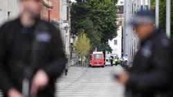 Londres: Les images de l'arrestation de l'homme qui aurait foncé sur des