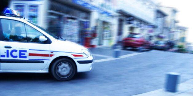 Un système explosif placé dans un immeuble parisien, cinq personnes