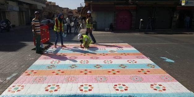 À Khouribga, ils décorent des passages piétons... Les autorités les effacent trois jours