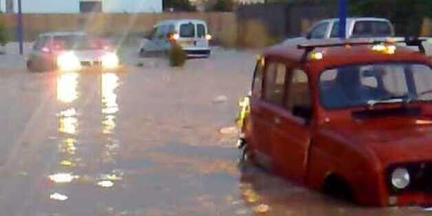 Intempéries à Djelfa: une femme décède et ses deux enfants disparaissent, emportés par les