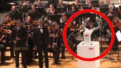 Un robot chef d'orchestre vole la vedette au ténor Andrea