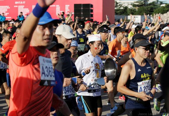 Salah Eddine Bounasr remporte le marathon de