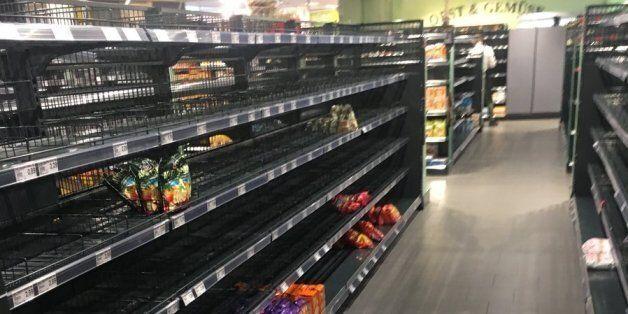 Contre la xénophobie, ce supermarché de Hambourg a vidé ses rayons des produits