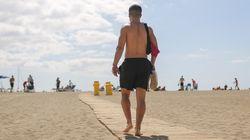 À la plage, les hommes aussi vivent (mal) l'épreuve du maillot de