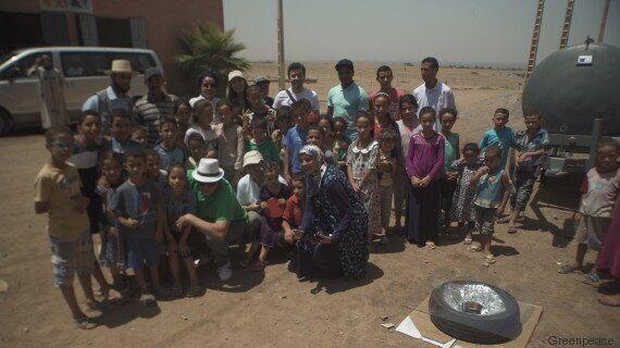 Dans différentes régions du Maroc, Greenpeace transmet les rudiments de la cuisine à l'énergie