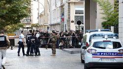 France: une voiture fonce sur des militaires en banlieue parisienne, 6