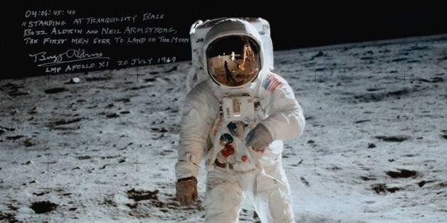 Les échantillons de lune ramassés par Neil Armstrong vendues pour 1,8 million de