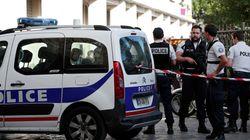 Un véhicule fonce sur des militaires en région parisienne: six