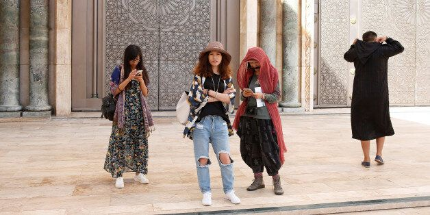 Chinese tourists visit the Hassan II Mosque in Casablanca, October 6, 2016. REUTERS/Youssef