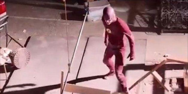Supergirl et The Flash font de la peine sans leurs effets