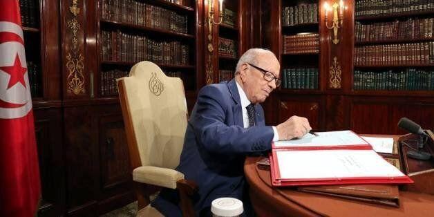 En marge de la fête de la République: Béji Caid Essebsi décide la grâce de 1583