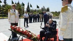 Le président Bouteflika se recueille à la mémoire des martyrs au cimetière d'El