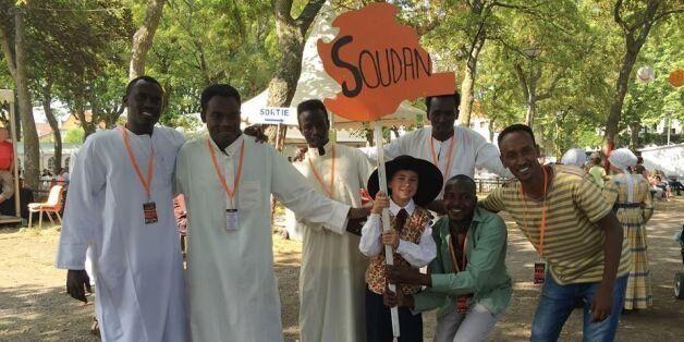 France: Quand des réfugiés revenus de loin animent la fête du 14
