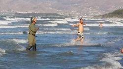 Manifestants et policiers dans l'eau à Al Hoceima: Twitter