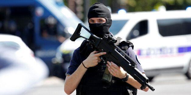 Un homme a été arrêté à Lille, quatre autres en