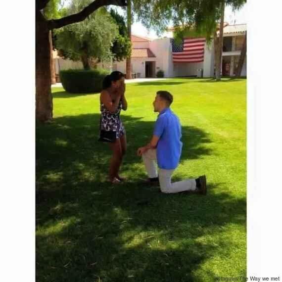 À la maternelle, il disait qu'il se marierait avec elle. 20 ans plus tard, il l'a