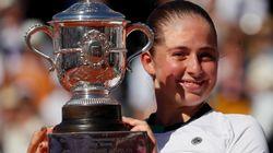 À 20 ans, la Lettone Jelena Ostapenko gagne