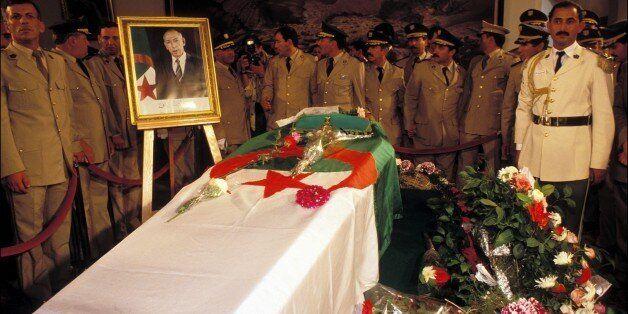 ALGERIA - JULY 01: Funerals of Mohamed Boudiaf in Algiers, Algeria on July 01,1992. (Photo by Jean-Michel...