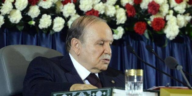 Bouteflika retire sa plainte pour diffamation contre le journal le