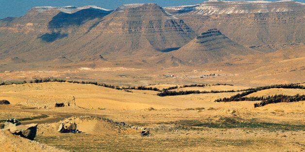 ALGERIA - MAY 11: Landscape near Bou Saada, Sahara Desert, Algeria. (Photo by DeAgostini/Getty